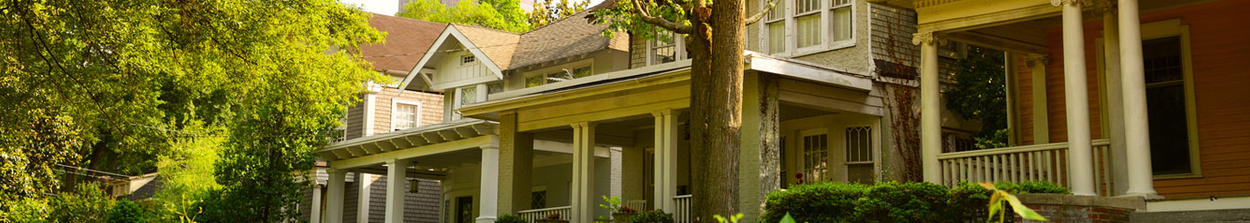 homes with large front porches and trees